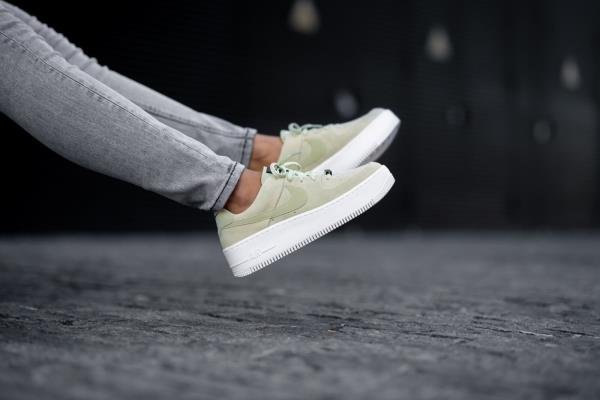 Nike Women's Air Force 1 Sage Low Olive