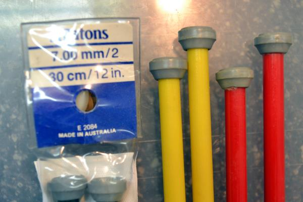 choose length 2 gauge 7mm Plastic PATONS BEEHIVE Knitting Needles