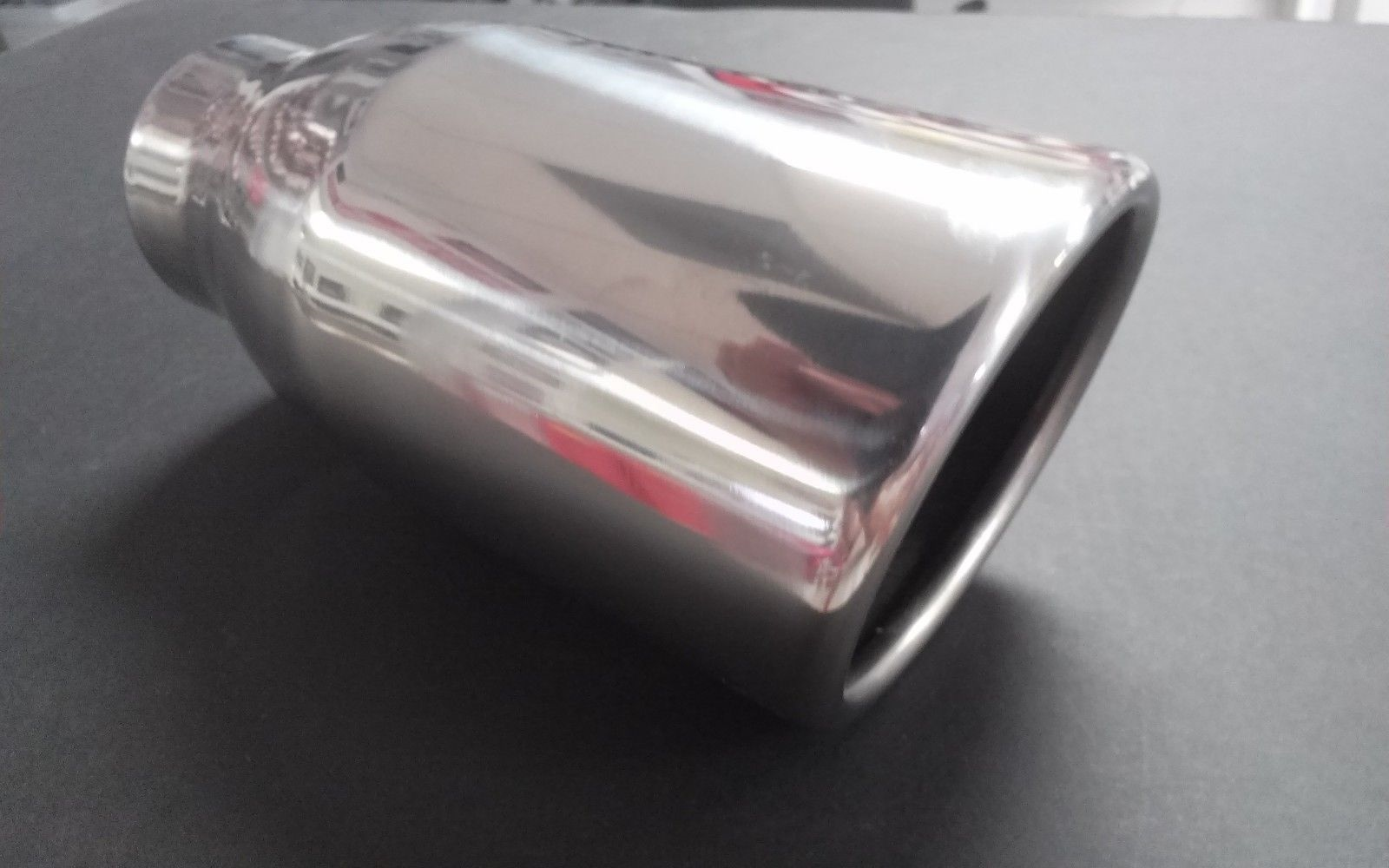 2 1//4 INCH POLISHED STAINLESS EXHAUST TIP w// OVAL OUTLET VERY NICE NEW SHIP FREE