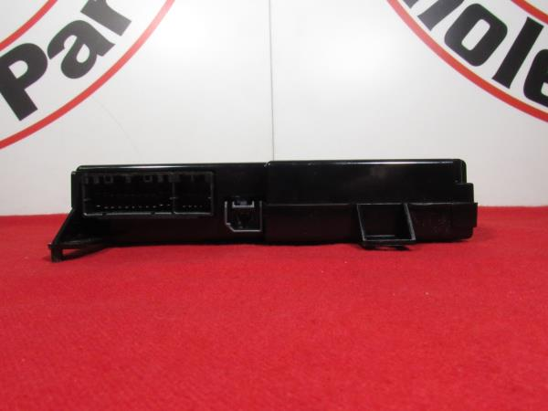 Chrysler 300 Dodge Challenger Journey Hands Free Telematics Module OEM