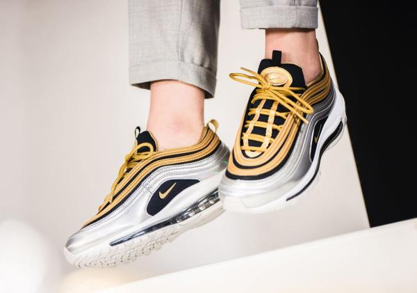 Details about Nike Wmns Air Max 97 SE Metallic Gold Size 5 6 7 8 9 Womens Shoes New AQ4137 700
