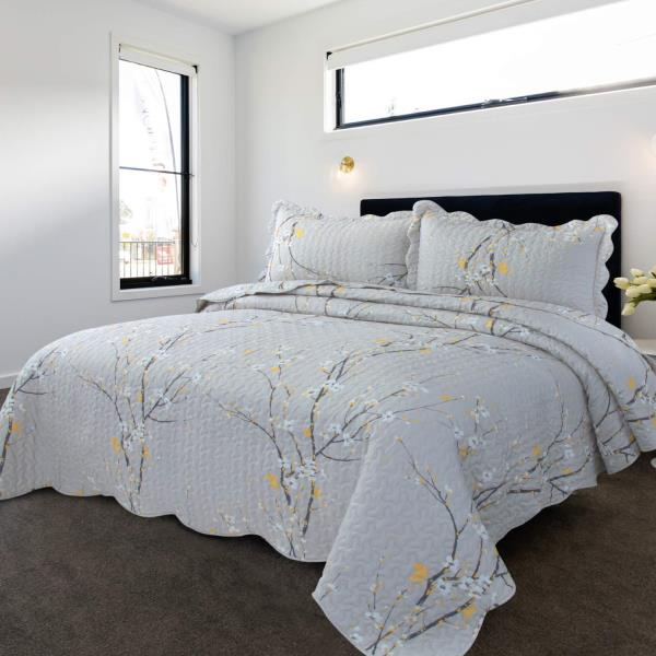 Twin Full Queen King Bed White Blue Floral Embroidery 3 pc Quilt Coverlet Set