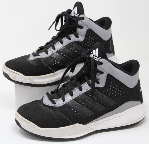 Adidas Outrival Basketball Shoes Youth Boys Size 4.5Y Sneakers ...