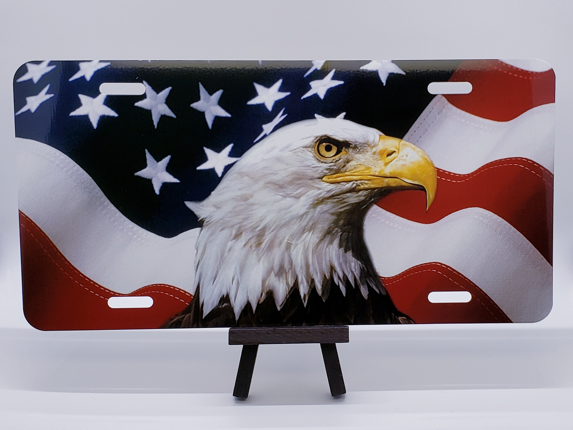 USA American Flag Eagles License Plate Frame Gifts American Patriotic Metal TXT